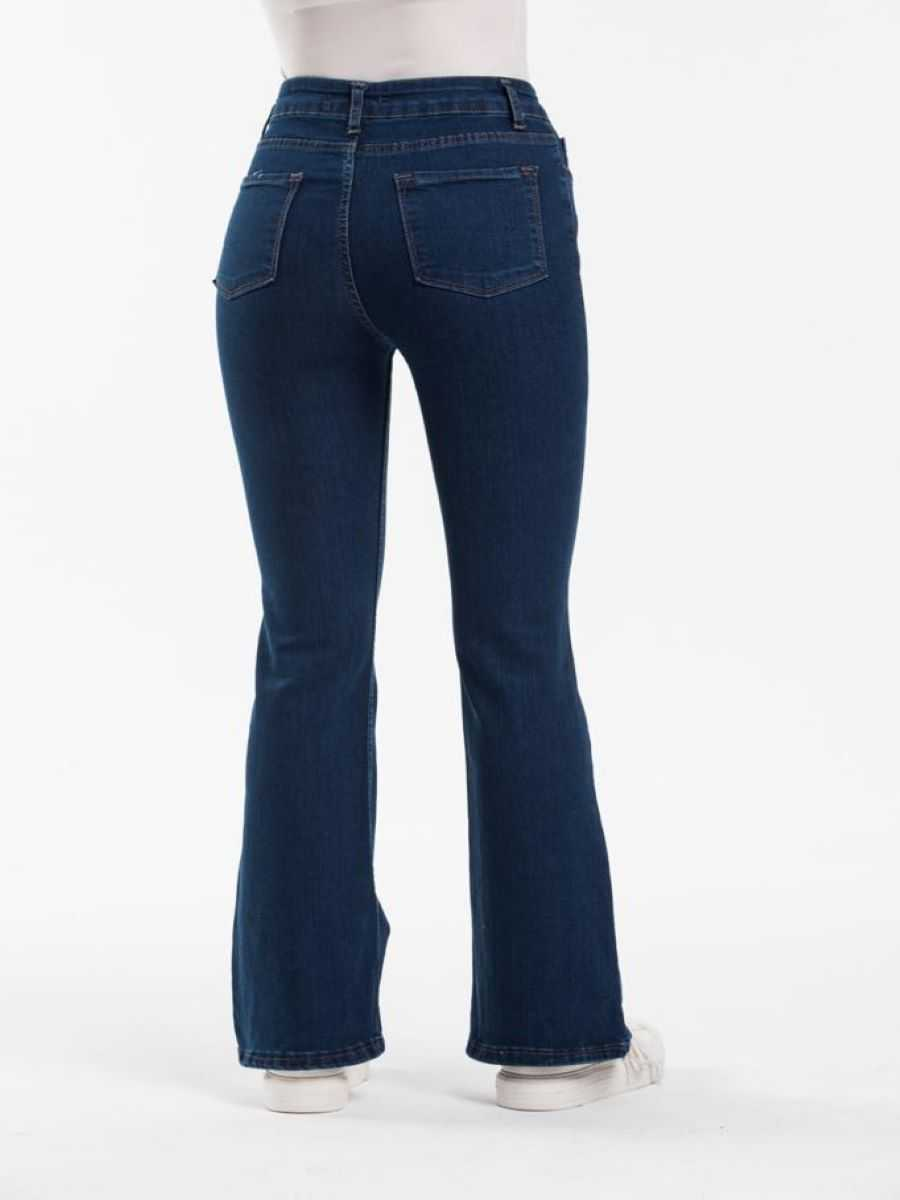 "47e0951a 5e2d 42a1 9d98 206e50eb4d64 - Blue hill ""flared jeans"""