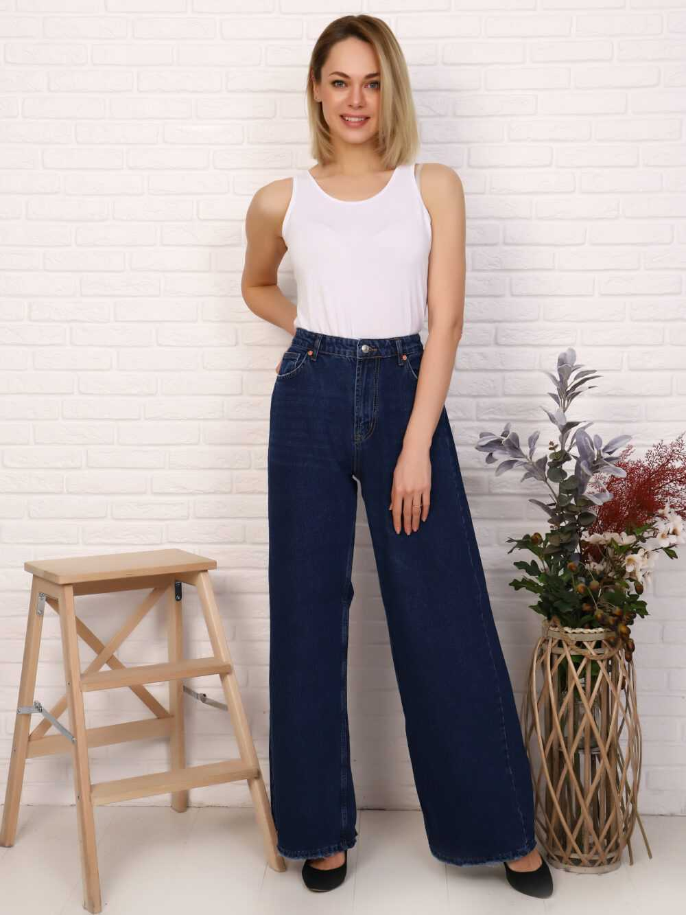 """IMG 5756 1000x1333 - Red Stop """"wide-leg  jeans"""""""