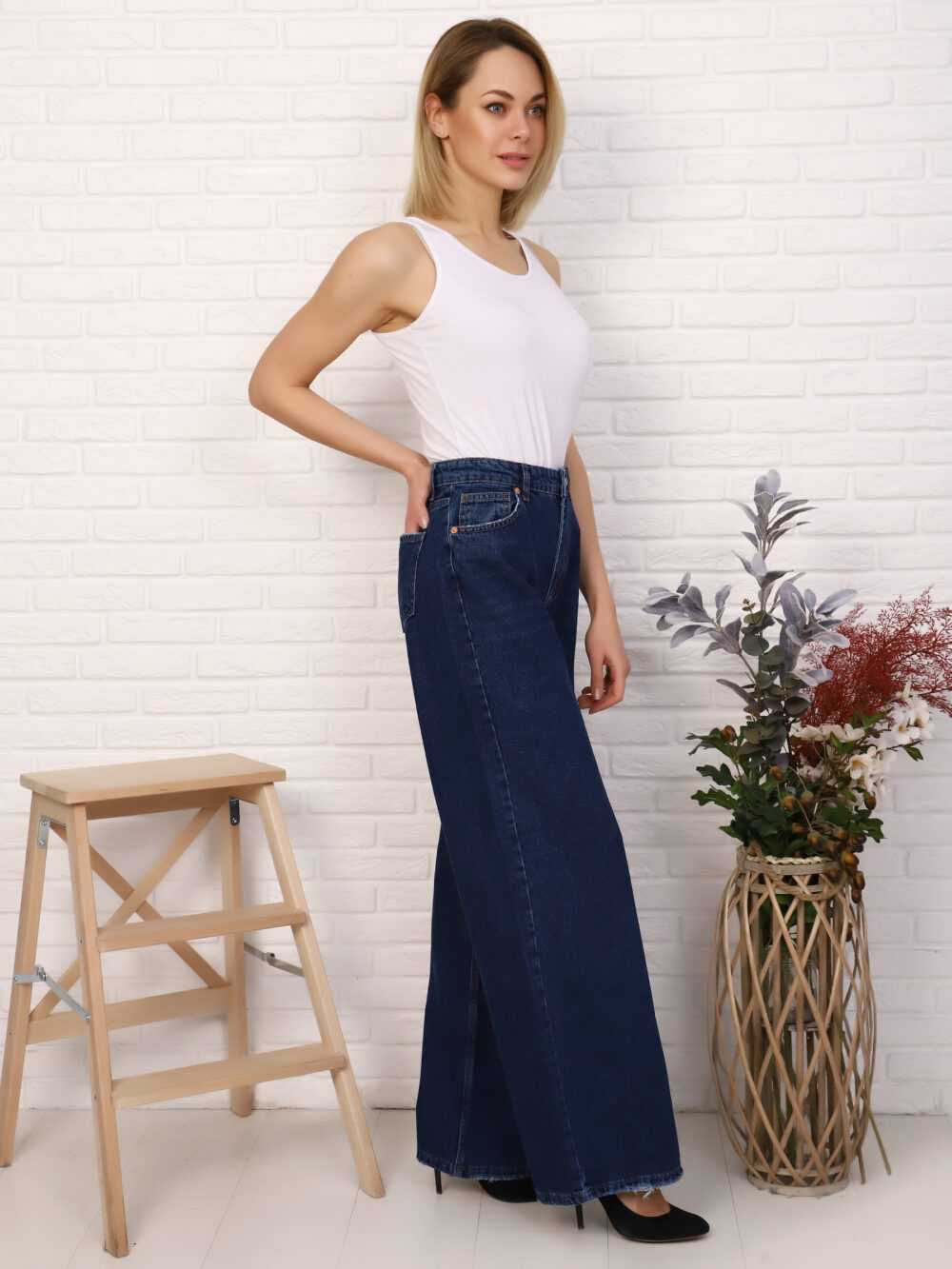 """IMG 5757 1000x1333 - Red Stop """"wide-leg  jeans"""""""