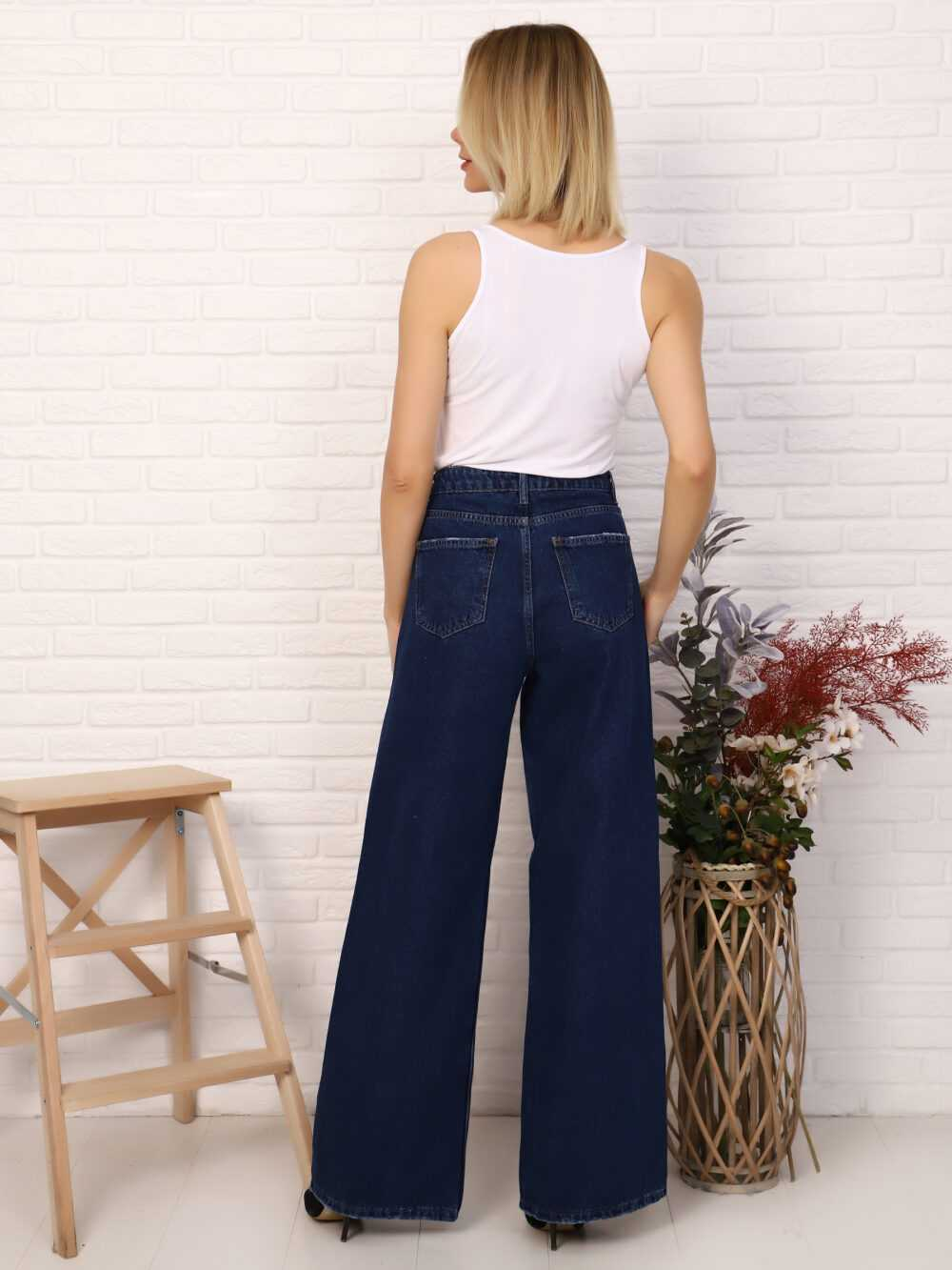 """IMG 5758 1000x1333 - Red Stop """"wide-leg  jeans"""""""