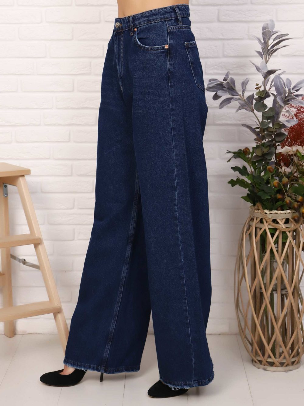 """IMG 5761 1000x1333 - Red Stop """"wide-leg  jeans"""""""