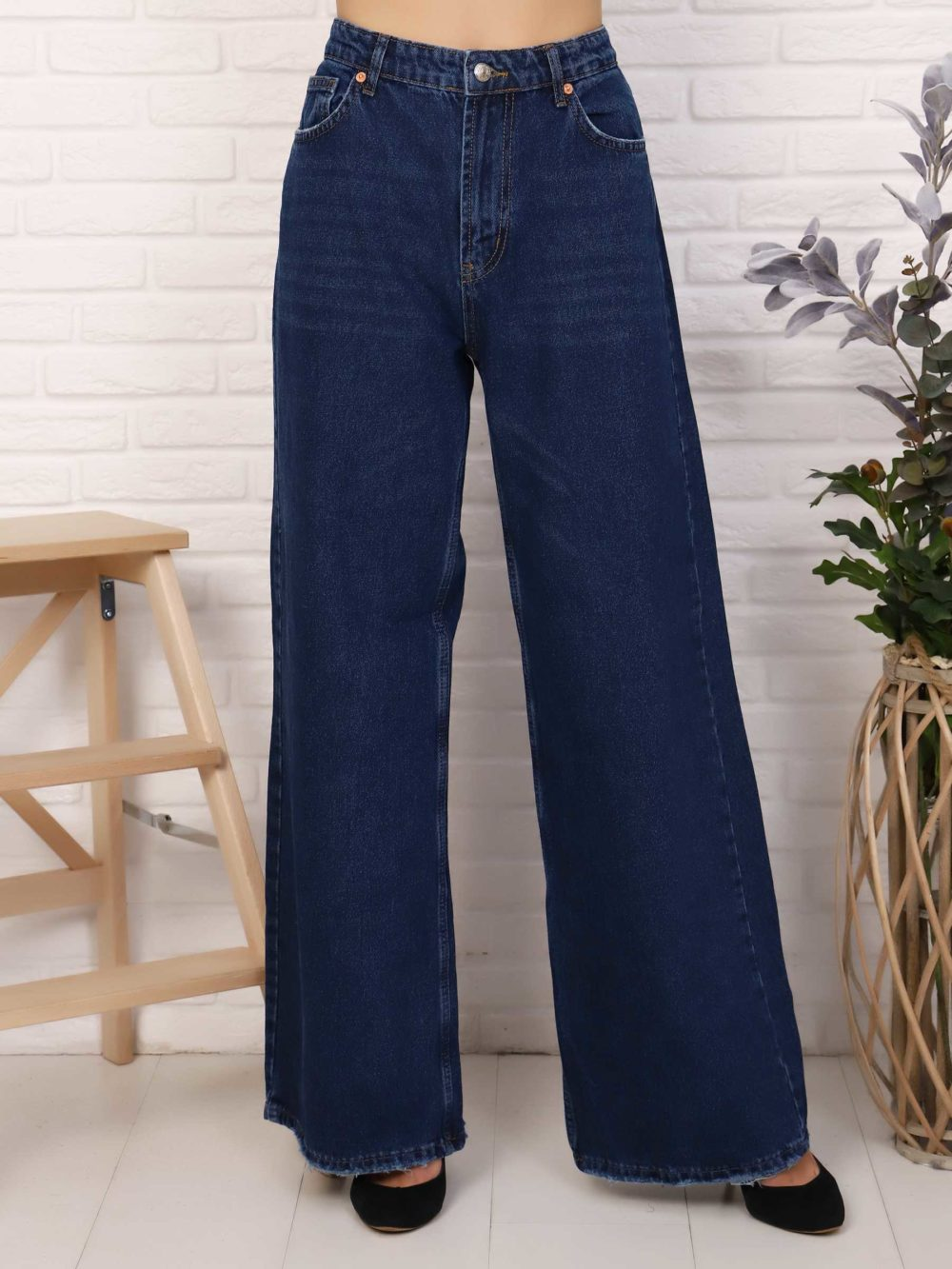 """IMG 5762 1000x1333 - Red Stop """"wide-leg  jeans"""""""