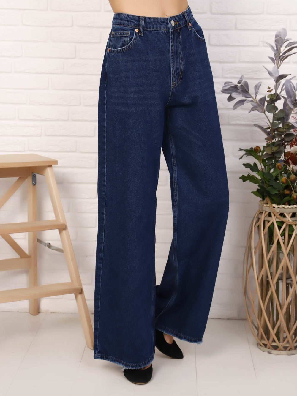 """IMG 5764 1000x1333 - Red Stop """"wide-leg  jeans"""""""