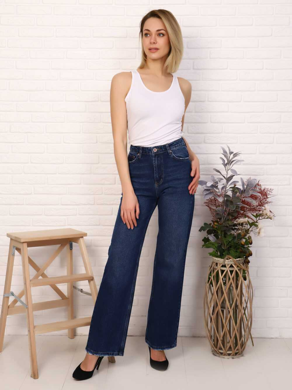 """IMG 5814 1000x1333 - Red Stop """"wide-leg  jeans"""""""