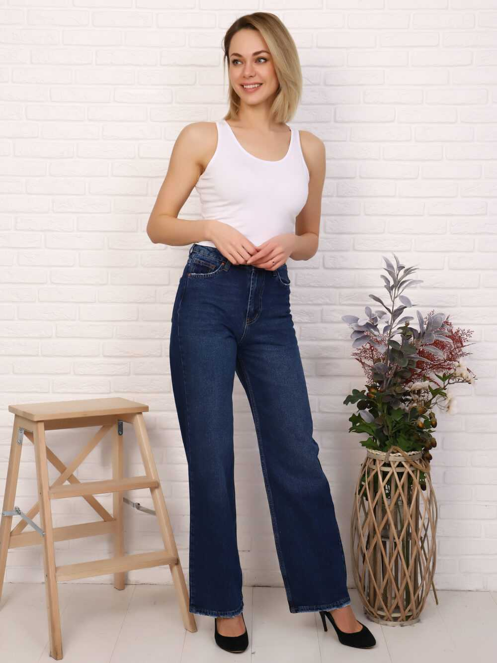 """IMG 5816 1000x1333 - Red Stop """"wide-leg  jeans"""""""