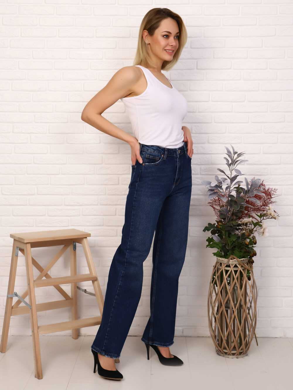 """IMG 5817 1000x1333 - Red Stop """"wide-leg  jeans"""""""