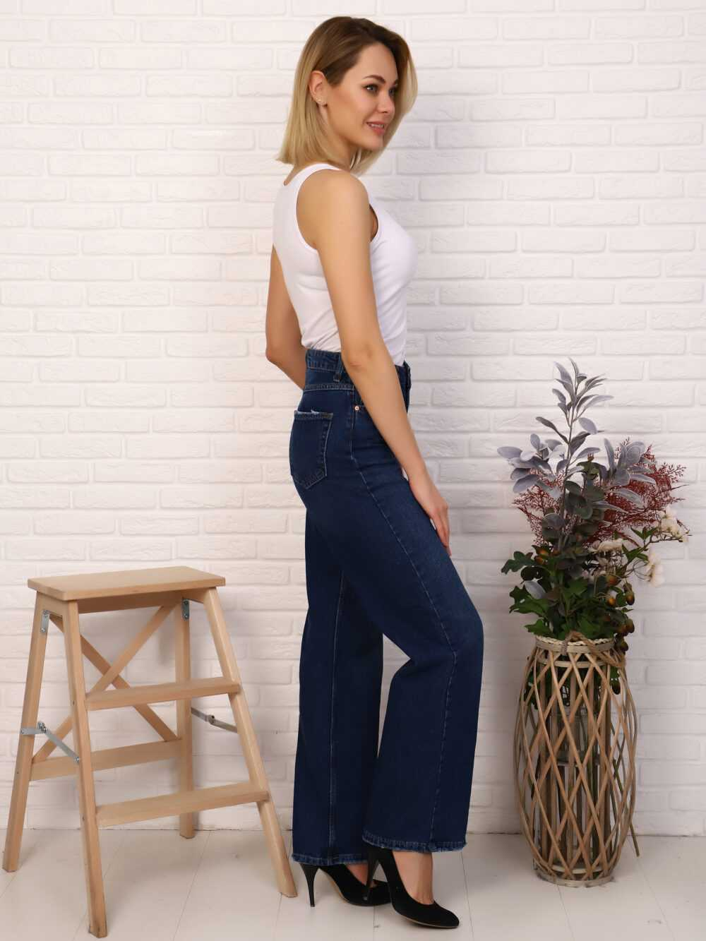 """IMG 5818 1000x1333 - Red Stop """"wide-leg  jeans"""""""